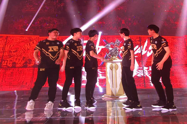 LOL洲际系列赛亚洲对抗赛LPL3-2LCK登顶亚洲最强
